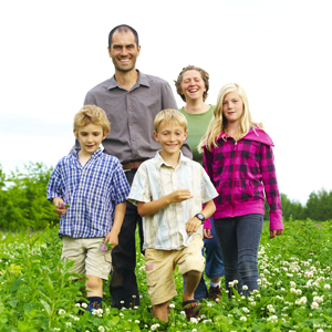 Cadet Roussel Farm: Anne, Arnaud and the children